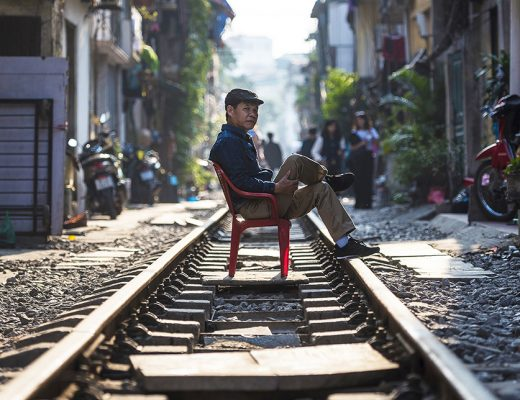 Wat te doen in Hanoi - oude man in Train Street